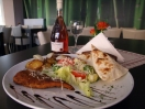 Novinka:  Kurací steak a zemiaky na cibuľke