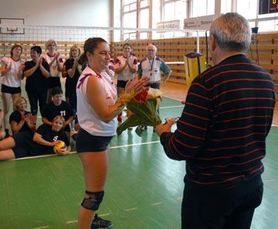 Bývalé hráčky ďakujú prezidentovi klubu Štefanovi Balážovi