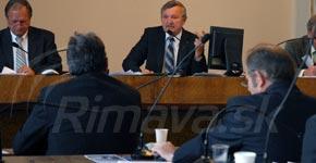 rokovanie-poslancov-MsZ