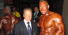 prezident IFBB Rafael Santocha a Roland Brosman