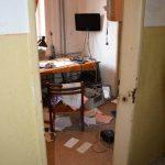 Vlámačka do elektrodomu nebola jedinou, páchateľ si násilne otvoril aj desať kancelárií