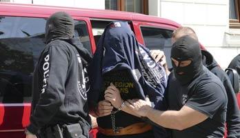 152d0e82d Z drogovej razie kukláčov, ktorí zasahovali v pondelok, 30. apríla, v  záhradkárskej oblasti Tormáš ako aj na Dobšinského a Hostinského ulici,  vzišli dvaja ...