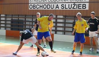 V poradí 3. ročník medzinárodného futbalového turnaja žiakov a zamestnancov  škôl a krajín V4 je v plnom prúde. O putovný pohár SOŠOS Cup-u bojuje päť  ... 391782989bb